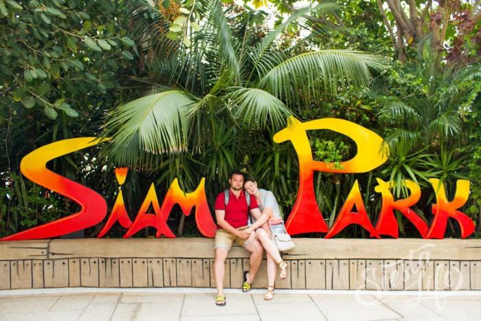 надпись Siam Pakr на входе — любимое место для фотографирования