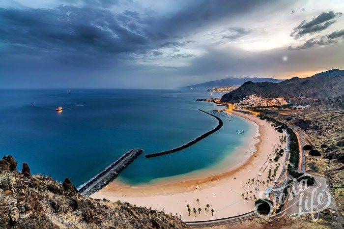 пляж Плайя-де-лас-Тереситас (исп. Playa de las Teresitas)
