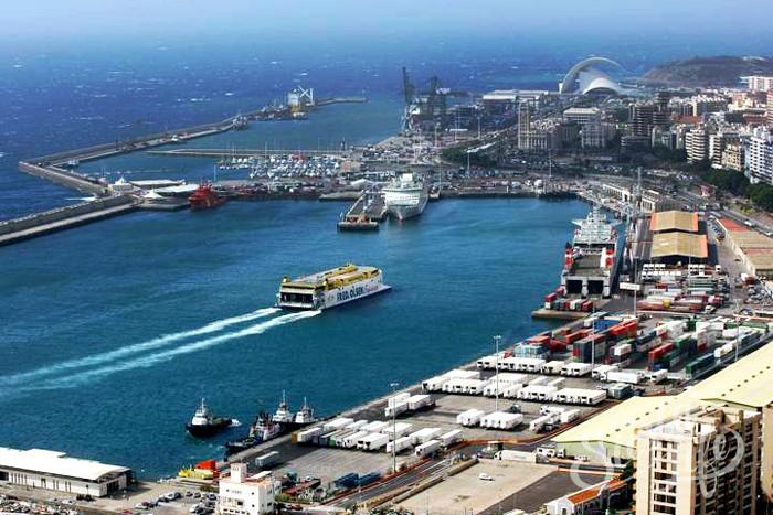 Порт столицы Санта Круз де-Тенерифе