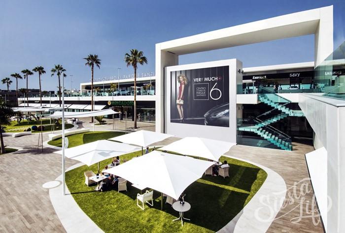 Парк Сантьяго 6 —современный шоппинг центр в Лос-Кристианос