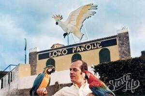 Вольфганг Кисслинг с попугаями