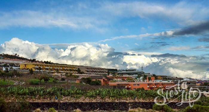 Облака над Пуэрто де Сантьяго