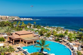 Курорт Коста Адехе на Тенерифе