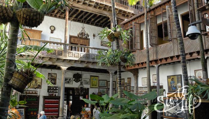 Балконы в патио Дома балконов ла-Оротава