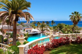 Плайя де Лас Америкас на Тенерифе бассейн